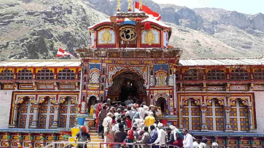 badrinath temple ek dham yatra by chardham yatra by helicopter